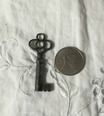 Real True Vtg Antique Old Ornate Primitive Lock Hollow Barrel Iron Skeleton Key