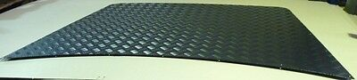 Land Rover Discovery 1 Black Chequer Bonnet Protector