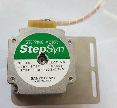 SANYO DENKI Step Syn 103H7123-1745 STEPPING MOTOR (TROLLEY E.3B2)