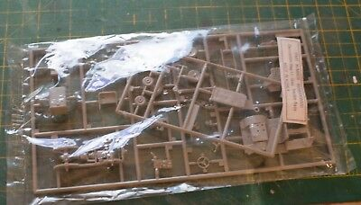 Bagged unopened but unknown brand 1/48th scale (?) towing tractor kit