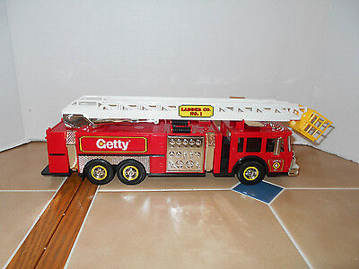 GETTY Oil #8 Aerial Tower fire truck,1:32 scale,MIB,stock #GF2001