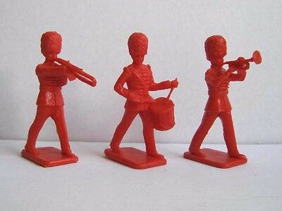 3 x CRESCENT / KELLOGG'S. 1958 BRITISH GUARDS BANDSMEN. PLASTIC TOY SOLDIERS