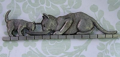 Vintage JJ Pewter Cat and Kitten Brooch Pin- Cat Lover-Cat Jewelry