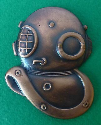 A SOUTH AFRICA RECCE SPECIAL FORCES bronzed metal DIVERS OLD DIVER HELMET BADGE