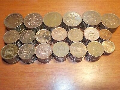 Mixed Lot of Circulated Coins from England     Penny and 1/2 penny