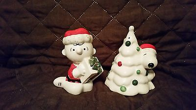 Lenox Snoopy's Christmas Earthenware Salt and Pepper Set