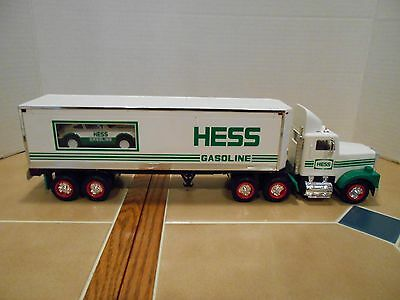 Hess 1992 18 Wheeler with Race Car , MIB