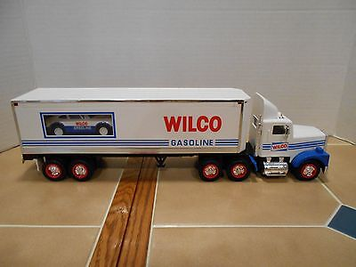 Wilco 1993 18 Wheeler with Racer , MIB