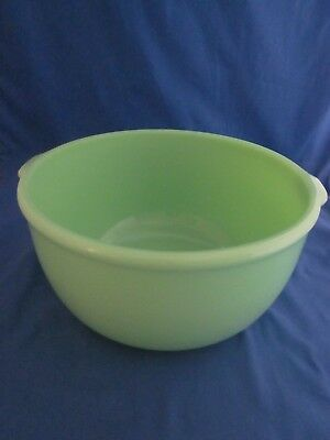 Vintage Green Glass Mixing Bowl 2 Handles Jadeite Green