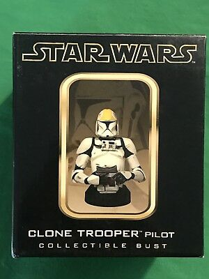 """Gentle Giant Star Wars CLONE TROOPER PILOT 6"""" Collectible Bust"""