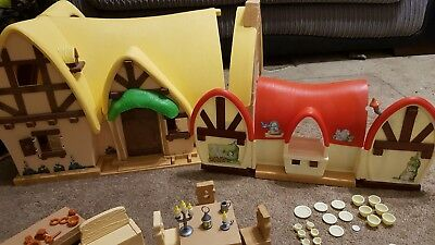 Snow White & The Seven Dwarves House & Cottage Includes Snow White & Dwarves