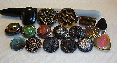 Lot of 17 Vintage Glass Buttons
