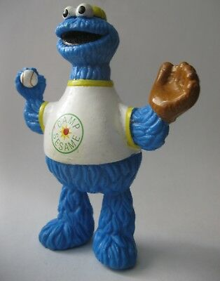 COOKIE MONSTER PLAYING BASEBALL Sesame Street bendy toy about 4.5 inches tall