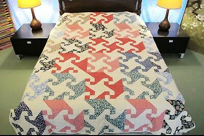 OUTSTANDING Vintage All Cotton Hand Sewn SNAIL TRAIL QUILT, Graphic, Very Good!