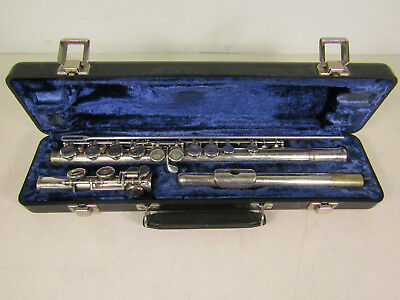 Armstrong Student Flute 104 In Hard Case SN: 29 29566 Elkhart Indiana