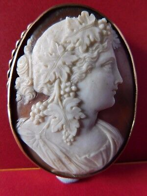 ANTIQUE 9ct GOLD CAMEO BROOCH well carved and of good size
