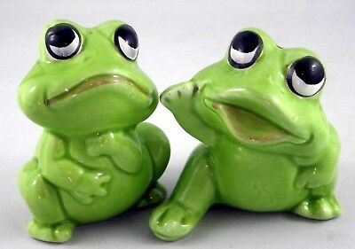 Ceramic Very Cute Green Frog Salt and Pepper Set