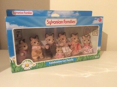 Super Rare Celebration Cat Family sylvanian families Collector Calico Critters