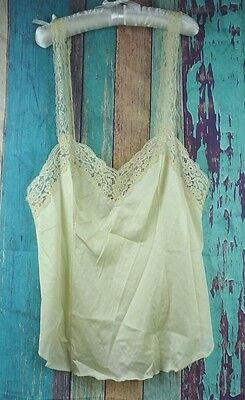 Vtg VANITY FAIR Sz 32 Camisole Cami Lingerie USA White Cream Yellow Lace