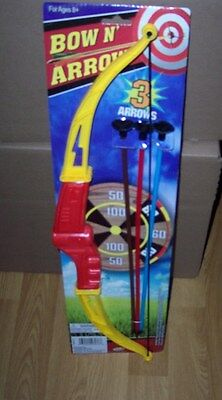 New Child's Bow And Arrow Archery Set Complete W/ Bow 3 Arrows & Target Red/yel
