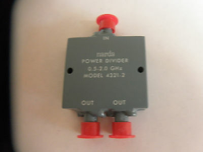 Narda microwave in phase power divider, 0.5 to 2.0 GHz