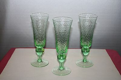 3 Green Honeycomb Textured Glass Champagne Flutes