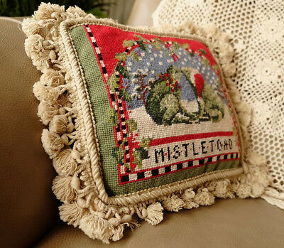 "12"" NeedlepointCushion Cute Couple Of Kissing Frogs Christmas Theme Vintage"