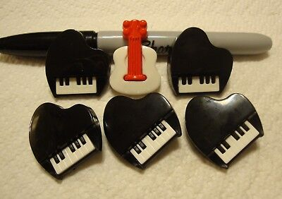 Lot of 6 Vintage Realistic Music Plastic Buttons Snap Together Pianos & Guitar