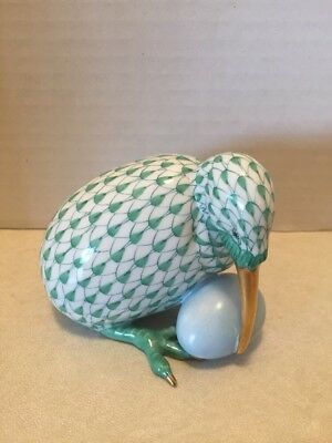 Vintage Collectible Herend Green Fishnet Bird With Egg Figurine