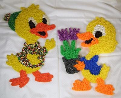 Vtg Easter Melted Plastic Popcorn Decoration Yellow Ducks Duckys Spring Tulips
