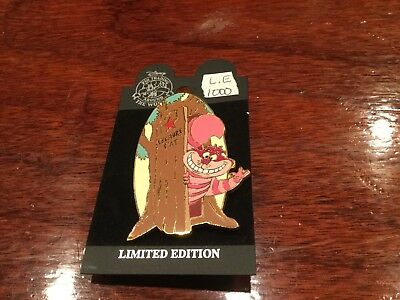 disney auction pin Cheshire Cat at the door le 1000  retired