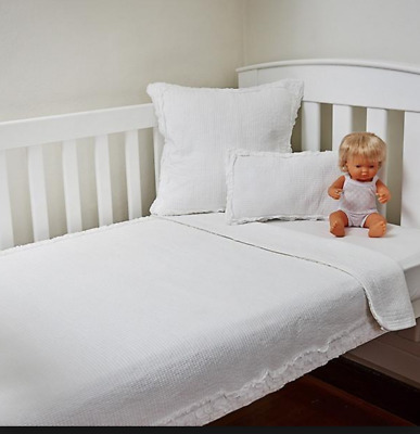 Hamptons White Rag Throw Coverlet Blanket Bed Cushion Baby Girl Ruffle Cot Quilt