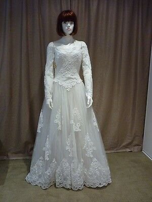 wedding dress lace with long sleeves