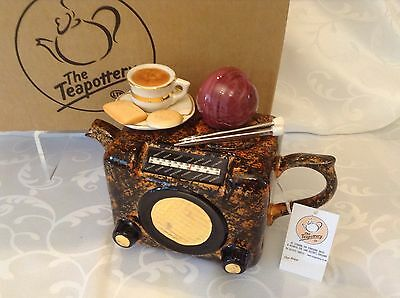 Teapottery Swineside Novelty Collectable Teapot Bacolite Radio Boxed New Condtio