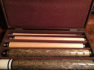 Boxed Beautifully Carved 5 Piece Pool Cue