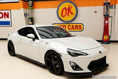 2014 Scion FR-S Base Coupe 2-Door 2014 White!
