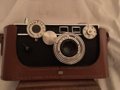 ARGUS C-3 RANGEFINDER CAMERA WITH LEATHER CASE & 50mm f/3.5 LENS