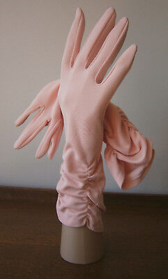 VINTAGE 1950s PEACH 3/4 LENGTH RUCHED STRECH NYLON GLOVES WEDDING GOODWOOD 7