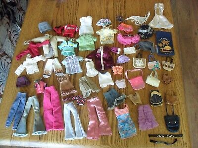 Bundle Of Bratz Accessories Hairbrushes, Shoes, Clothes, Handbags, ect