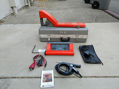 Metrotech 9860 Underground Cable,  Pipe Line Locator w/case.