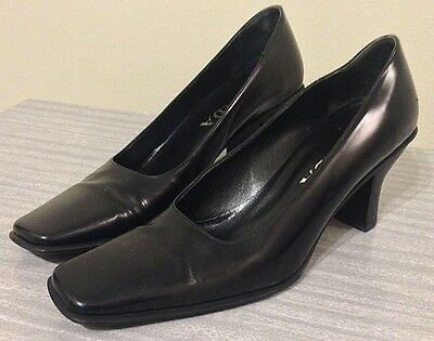 Prada Ladies Heels Size 6 Black Leather Shoes 90's Fall Holiday Party Attire