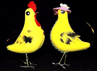 "VINTAGE PAIR Japan Flocked Rooster & Hen Chickens, Wire Feet, 4 1/2"" Tall VGUC"