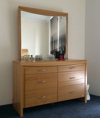 Solid dressing table with mirror and draws
