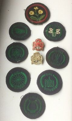 COLLECTION OF VINTAGE GIRL GUIDE BADGES FROM THE 1940's