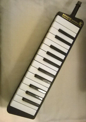 Hohner Melodica Cassotto 26 in case Instrument Made in Germany