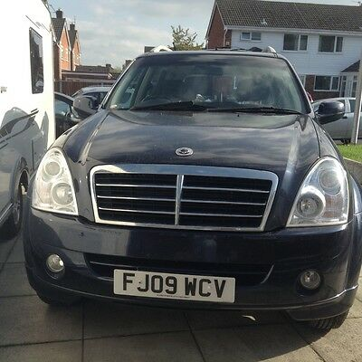 Ssanyong rexton w 2.7 diesel 4x4 great family car