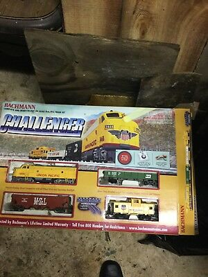Vintage Electric Bachman THE CHALLENGER Ho Scale Train Set 00621