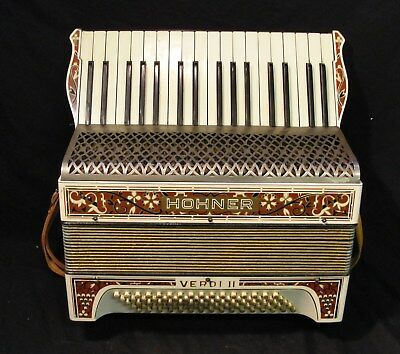 """HOHNER """"VERDI 11"""" ACCORDIAN RECENTLY REFURBISHED in jolly nice condt"""