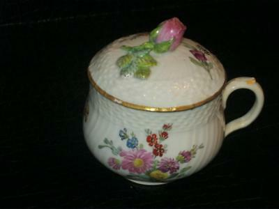STUNNING RARE 19th CENTURY ROYAL COPENHAGEN PORCELAIN LIDDED CHOCOLATE CUP