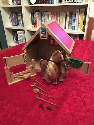 Sylvanian Families Pony Stable